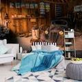 Consalnet Vliestapete »Alte Werkstatt«, verschiedene Motivgrößen, für die Küche