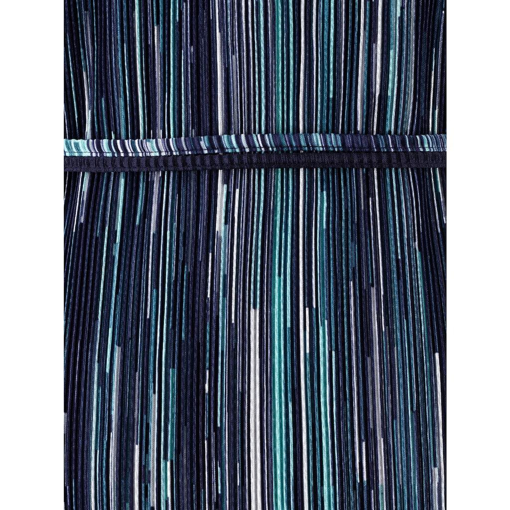 m. collection Plisseekleid in aktueller 2-in-1 Optik