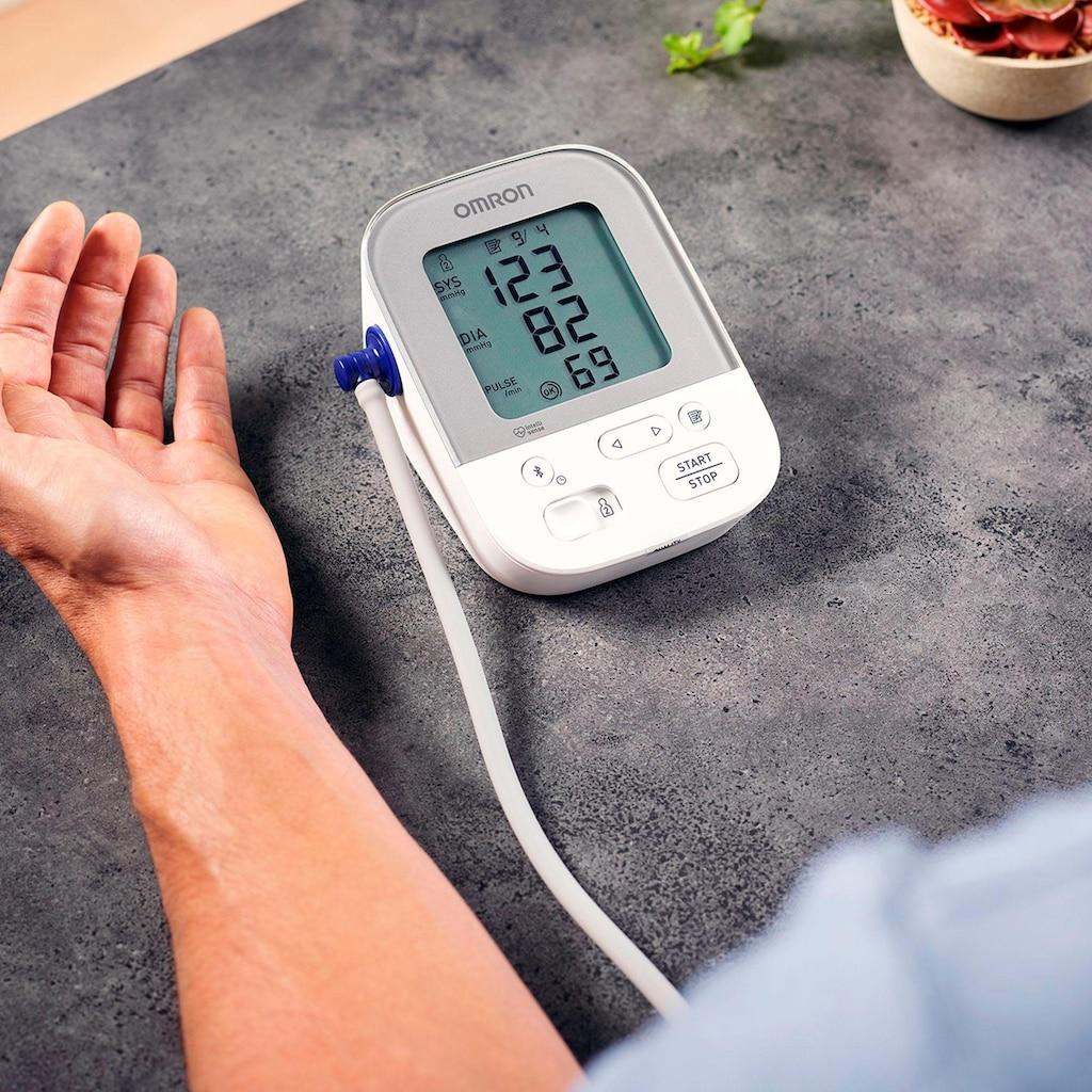 Omron Oberarm-Blutdruckmessgerät »X4 Smart«, mit Bluetooth und Intelli Wrap Manschette
