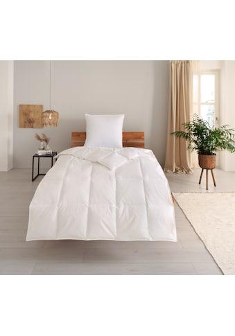 OTTO products Daunenbettdecke »Jannika«, leicht, Füllung 80% Daunen & 20% Federn, Bezug 100% Baumwolle, (1 St.), plastikfreie Verpackung kaufen