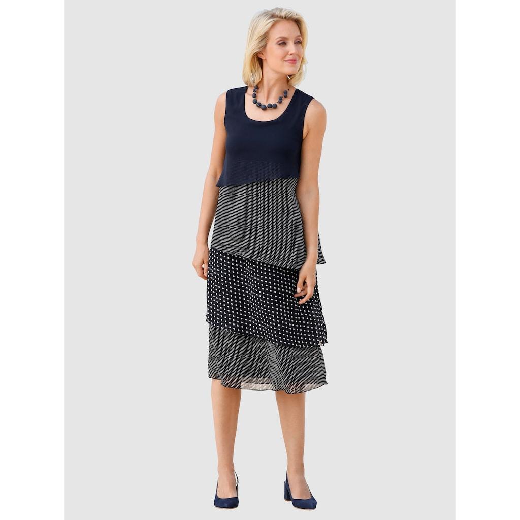 Paola Kleid im doppellagigen Look