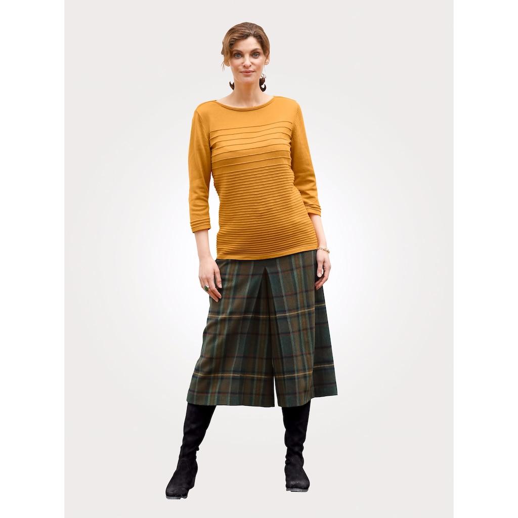 Mona Hosenrock, mit klassischem Karo-Muster