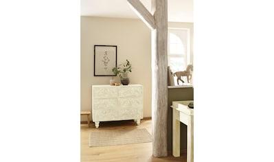 Home affaire Kommode »Lavin«, aus massiven, pflegeleichten Mangoholz, mit dekorativen Schnitzereien, Handgefertigt, Breite 110 cm kaufen