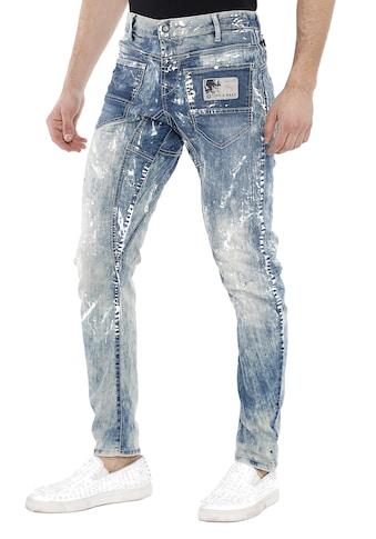 Cipo & Baxx Bequeme Jeans, mit coolen Farbspots kaufen
