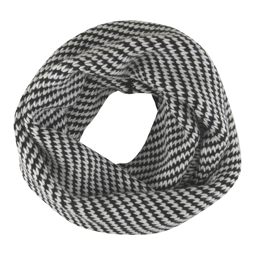 Schal in modischem Muster