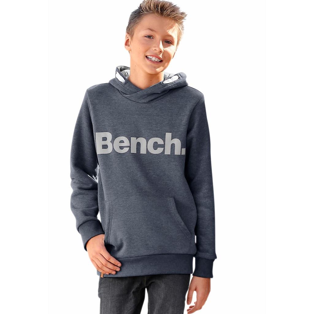Bench. Kapuzensweatshirt, mit großem Logo-Druck vorn