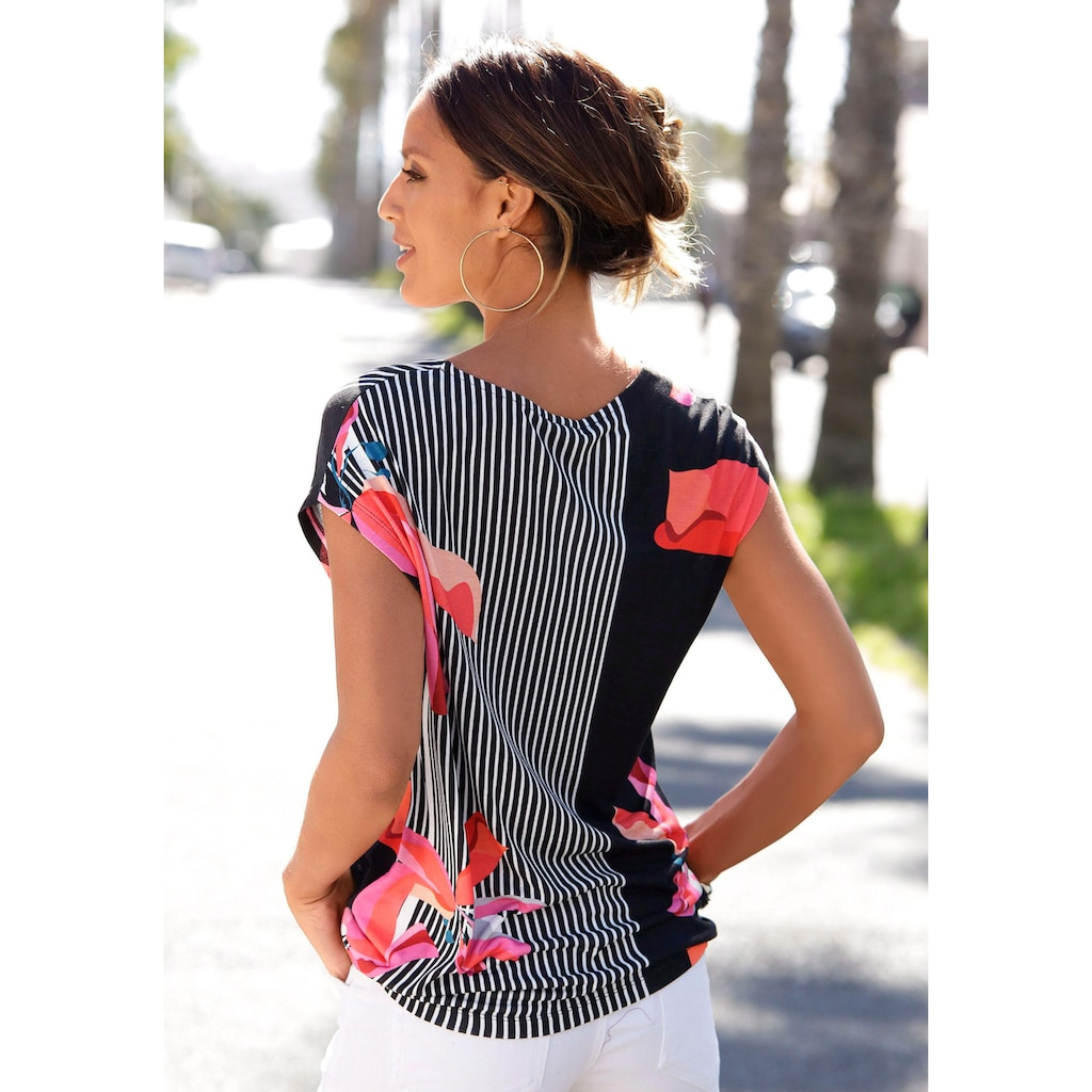 LASCANA Kurzarmshirt, mit Alloverdruck