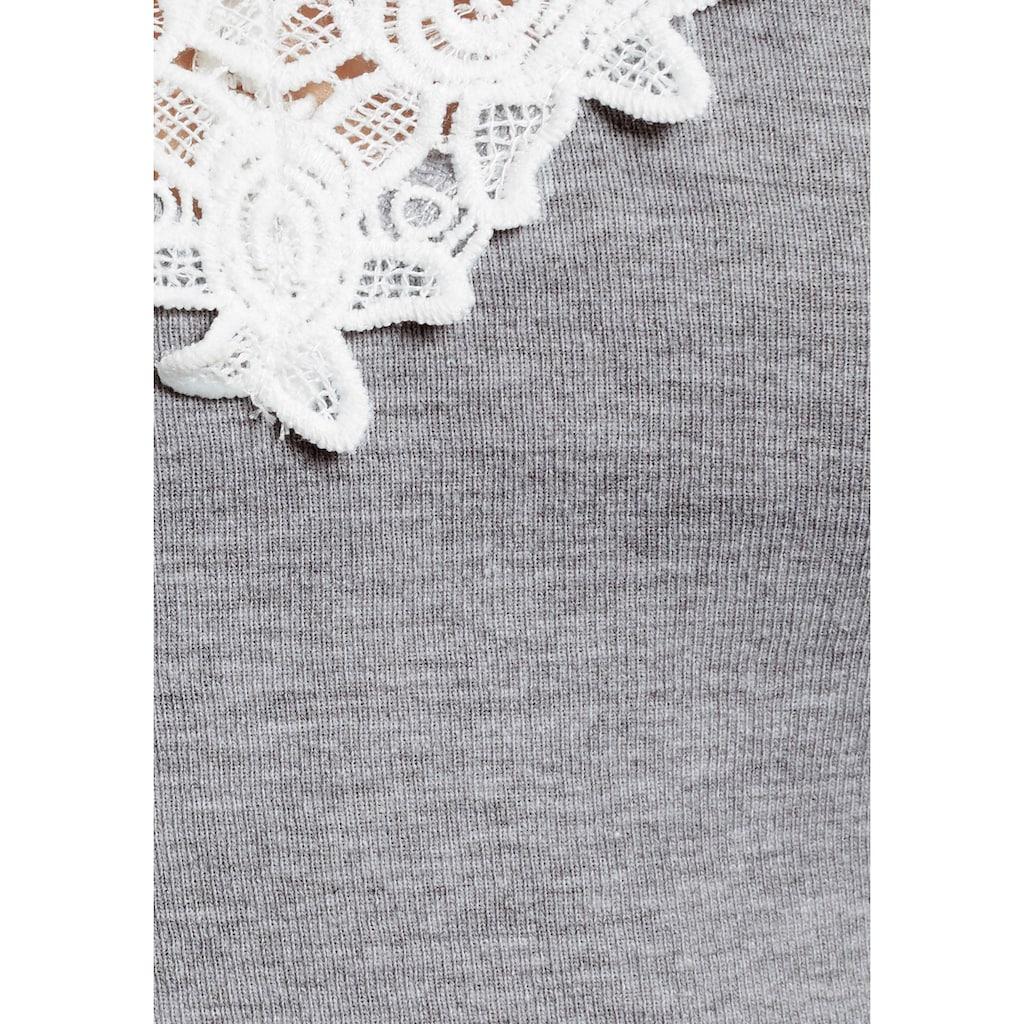 AJC Langarmshirt, tiefer V-Ausschnitt mit Spitze