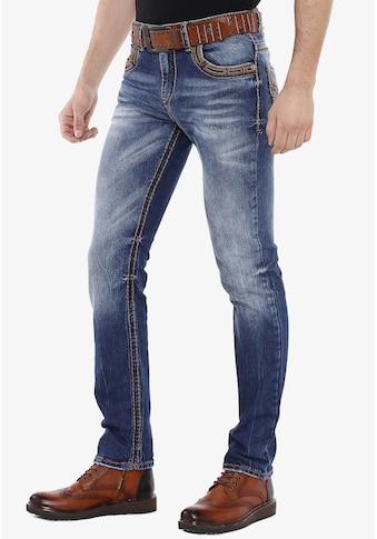 Cipo & Baxx Slim-fit-Jeans, mit bestickten Rückentaschen in Straight Fit kaufen