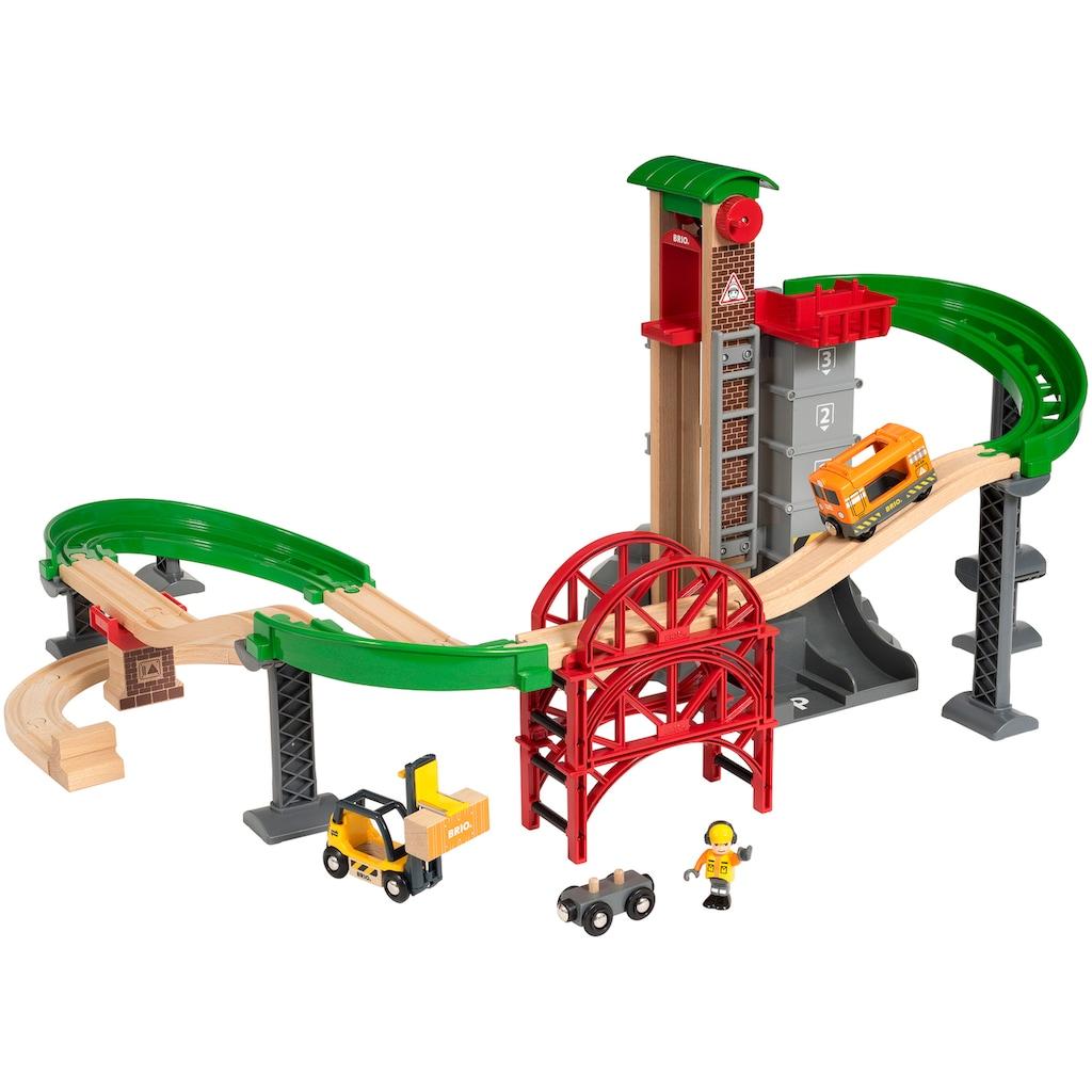 BRIO® Spielzeug-Eisenbahn »BRIO® WORLD Großes Lagerhaus-Set mit Aufzug«, FSC®-Holz aus gewissenhaft bewirtschafteten Wäldern