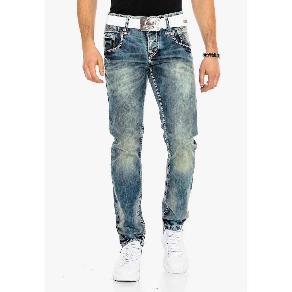 Cipo & Baxx Bequeme Jeans, in bequemem Regular Fit-Schnitt