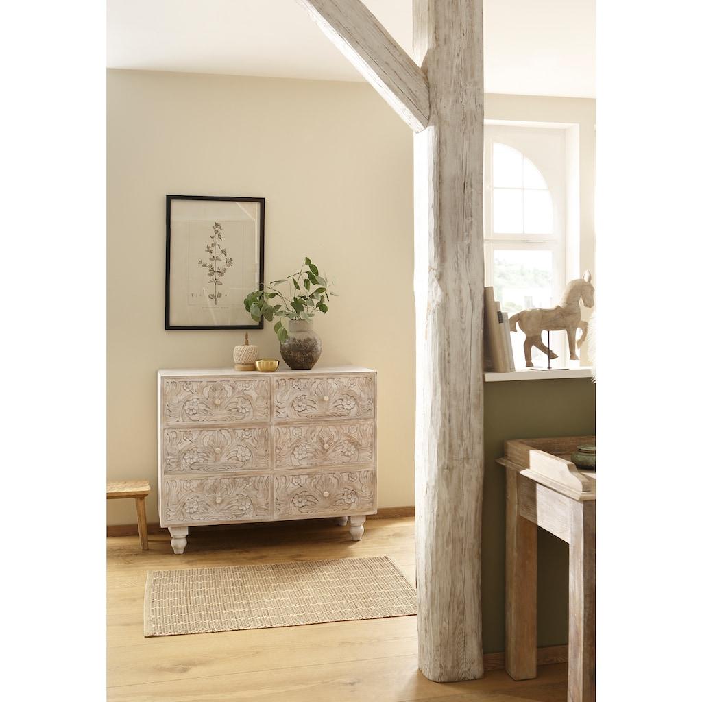 Home affaire Kommode »Lavin«, aus massiven, pflegeleichten Mangoholz, mit dekorativen Schnitzereien, Handgefertigt, Breite 110 cm
