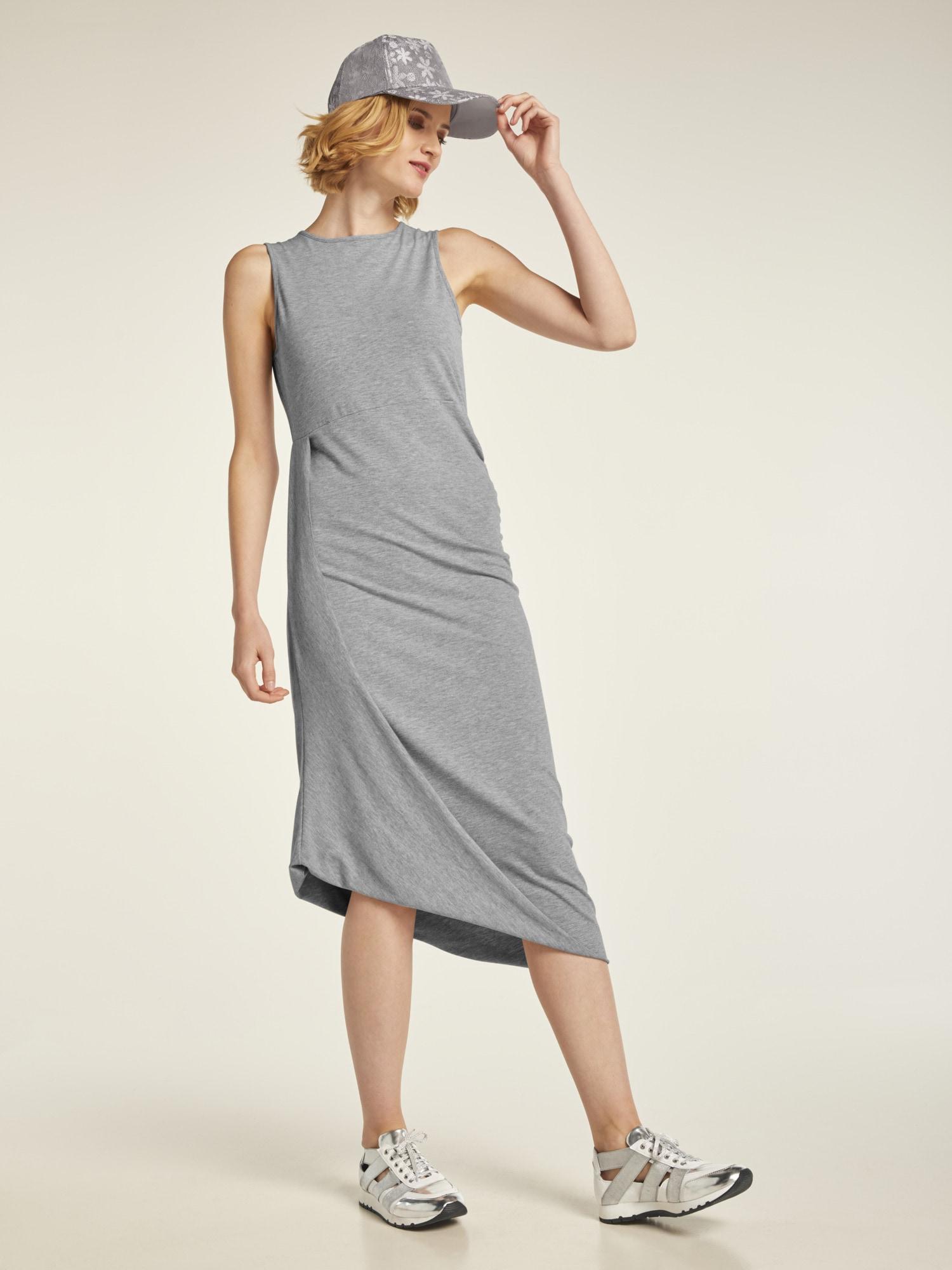 heine CASUAL Jerseykleid mit Raffungsdetails und schrägem Saum
