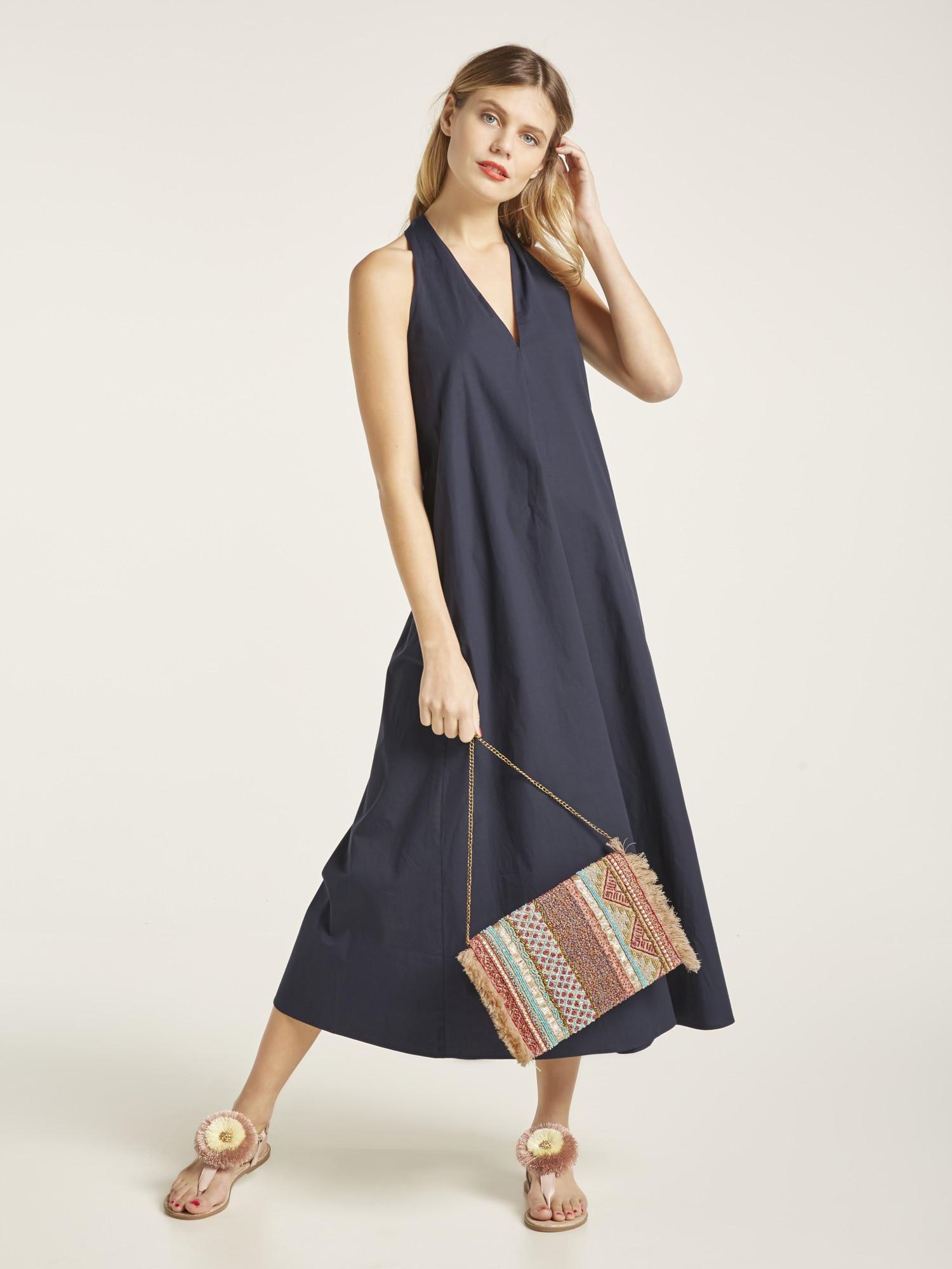 b61d89f7775474 Bildquelle: heine STYLE Kleid mit tiefem V-Ausschnitt