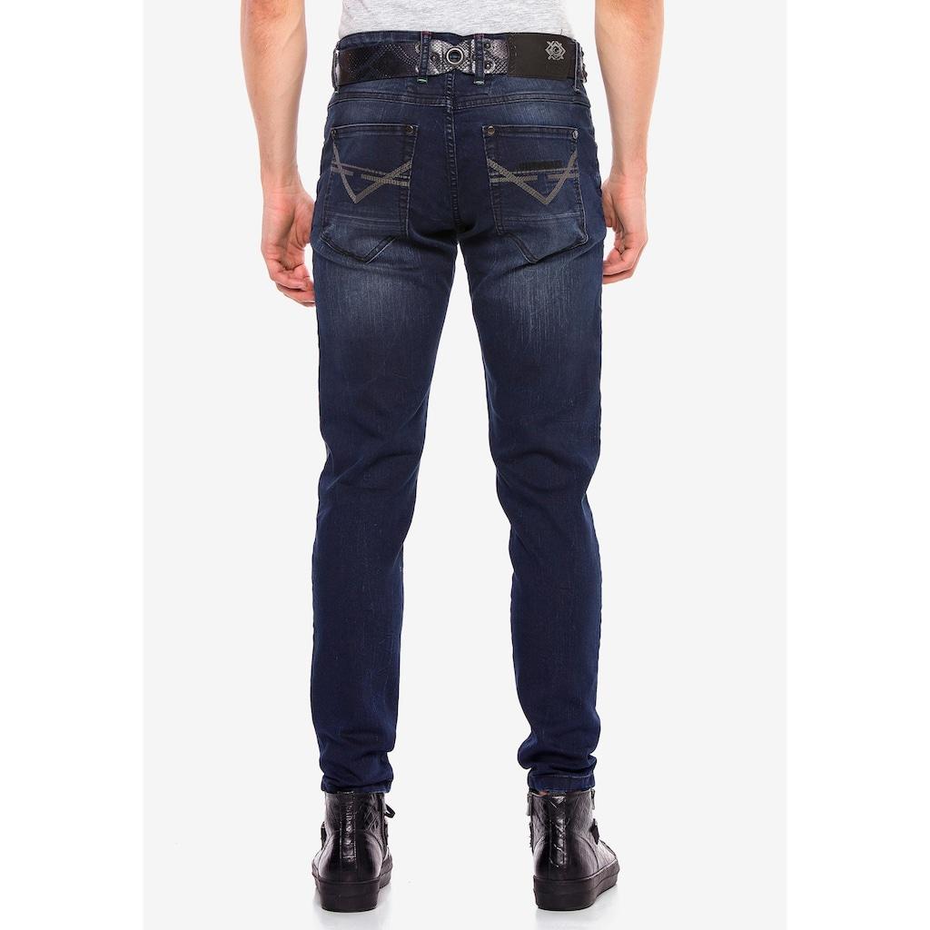 Cipo & Baxx Slim-fit-Jeans, im Slim-Fit Schnitt