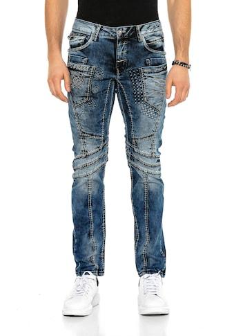 Cipo & Baxx Bequeme Jeans, mit trendigen Ziernähten in Straight-Fit kaufen