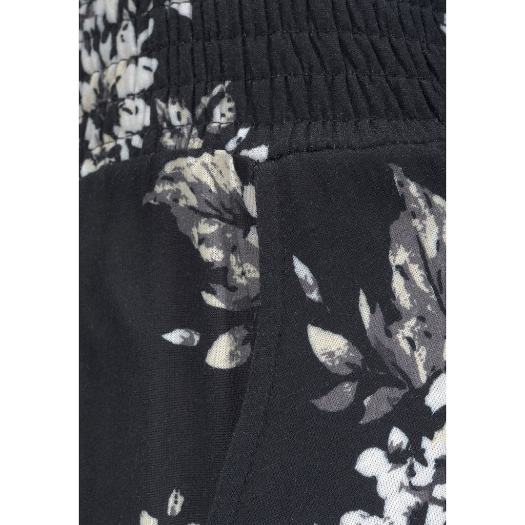 LASCANA Strandhose, mit dezentem Blumendruck
