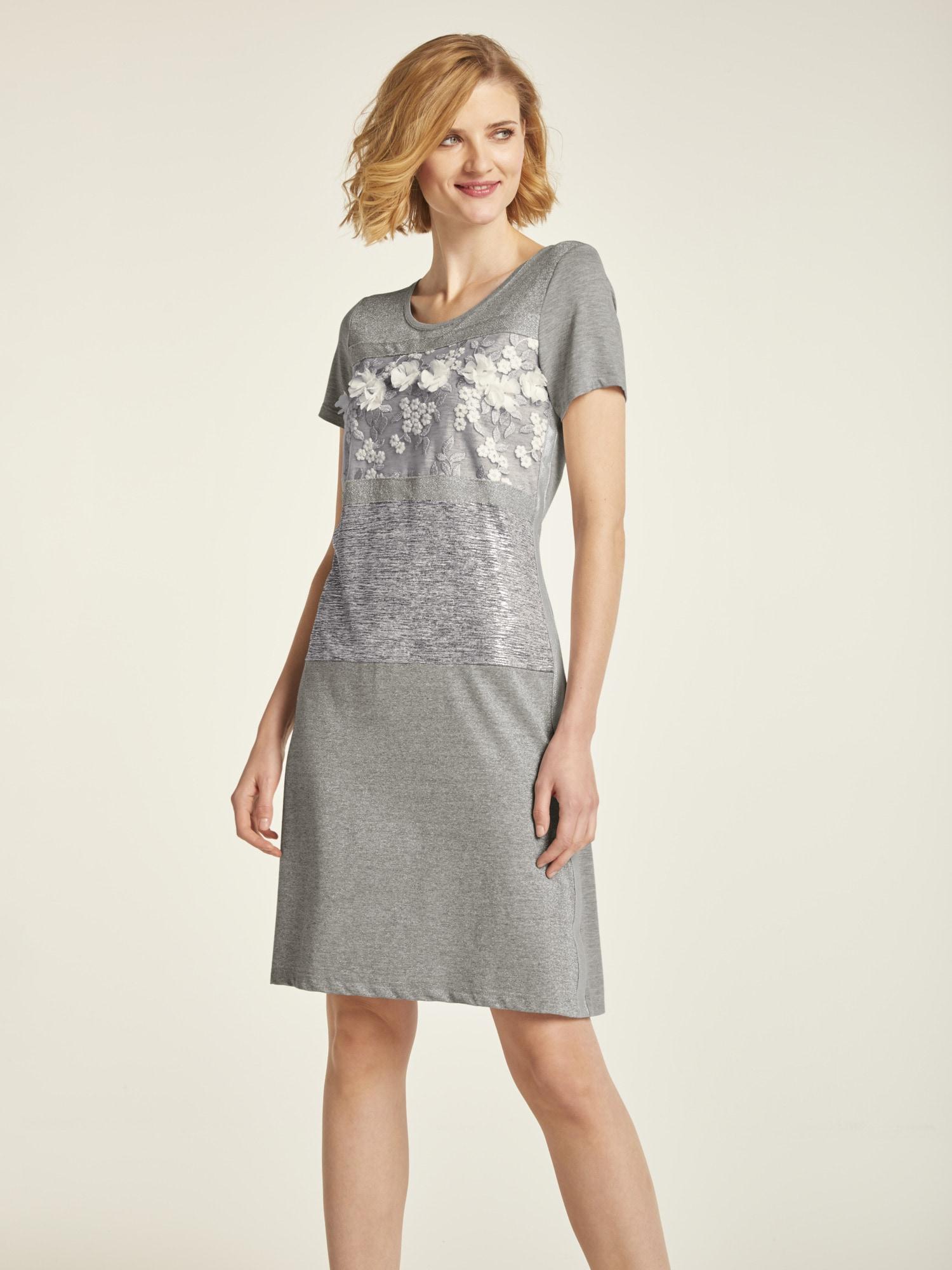 heine CASUAL Jerseykleid mit silbernen Effektdetails und Spitzenbesatz