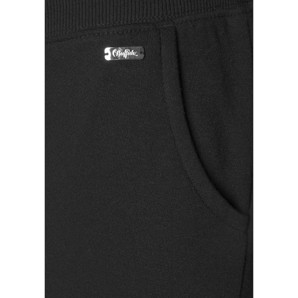 Buffalo Relaxhose, in legerer Form mit Seitentaschen