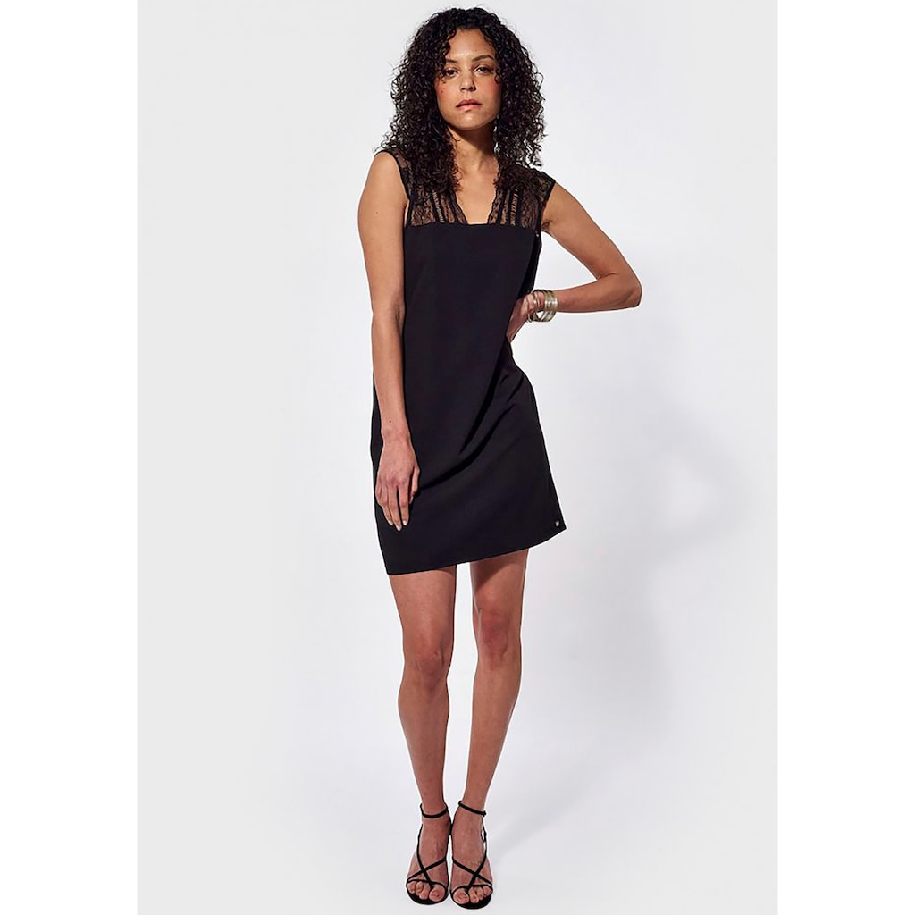 Kaporal A-Linien-Kleid »Janka«, mit Spitzendetails & tiefem Rückenausschnitt