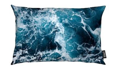 Juniqe Dekokissen »The Sea by @Michaela_LRA«, Weiches, allergikerfreundliches Material kaufen