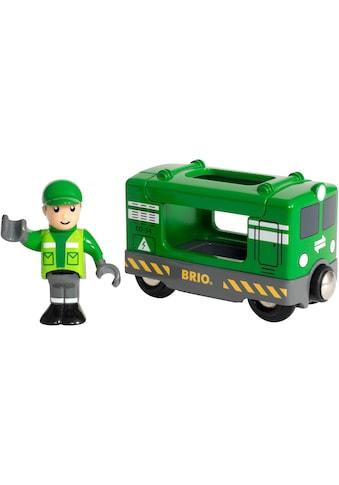 BRIO® Spielzeug-Eisenbahn »BRIO® WORLD Frachtlok mit Fahrer«, FSC®-Holz aus... kaufen