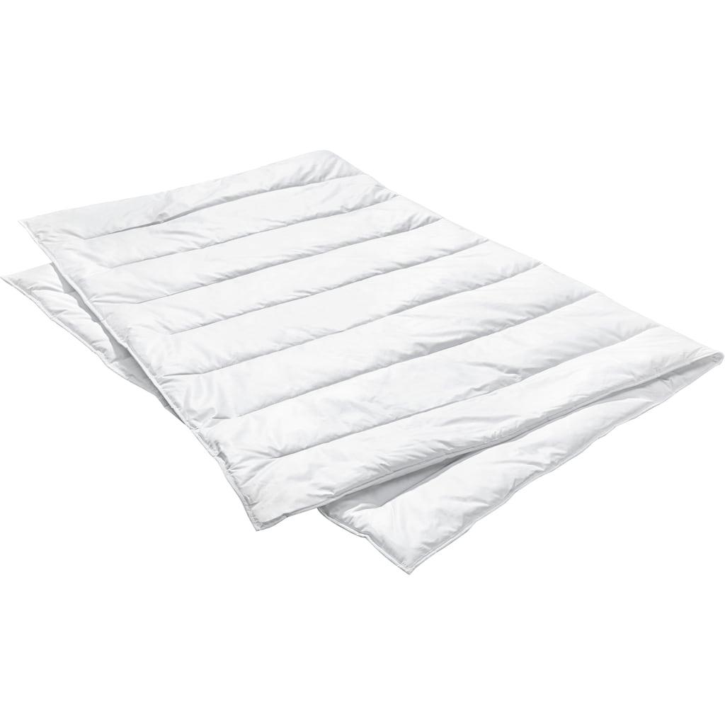 Centa-Star Kunstfaserbettdecke »Aqua Aktiv«, leicht, Bezug 100% Baumwolle, (1 St.), besonders atmungsaktiv und feuchtigkeitsregulierend