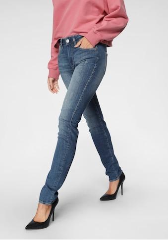 Herrlicher Slim-fit-Jeans »QUENDOLIN«, mit leichtem Push Up Effekt kaufen