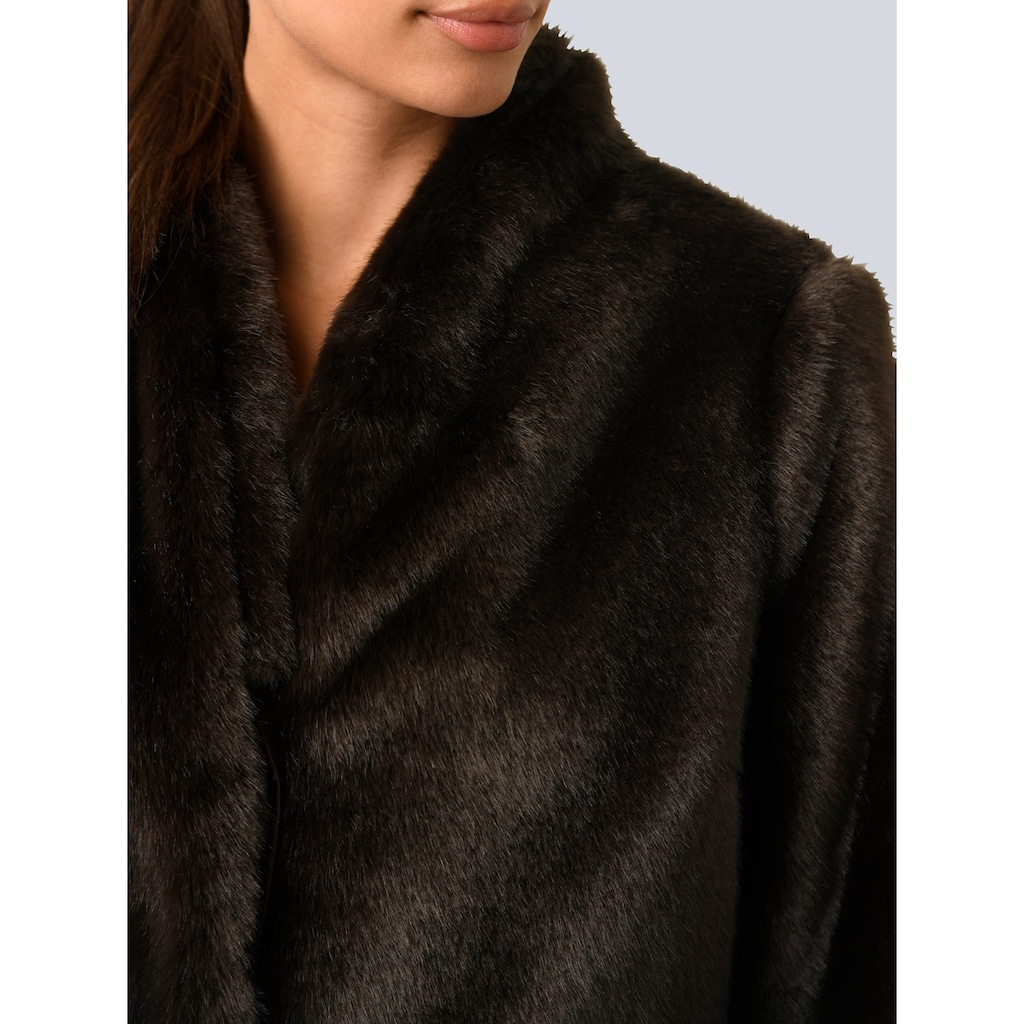 Alba Moda Fellimitatjacke, in kuschelweicher Fake Fur Qualität