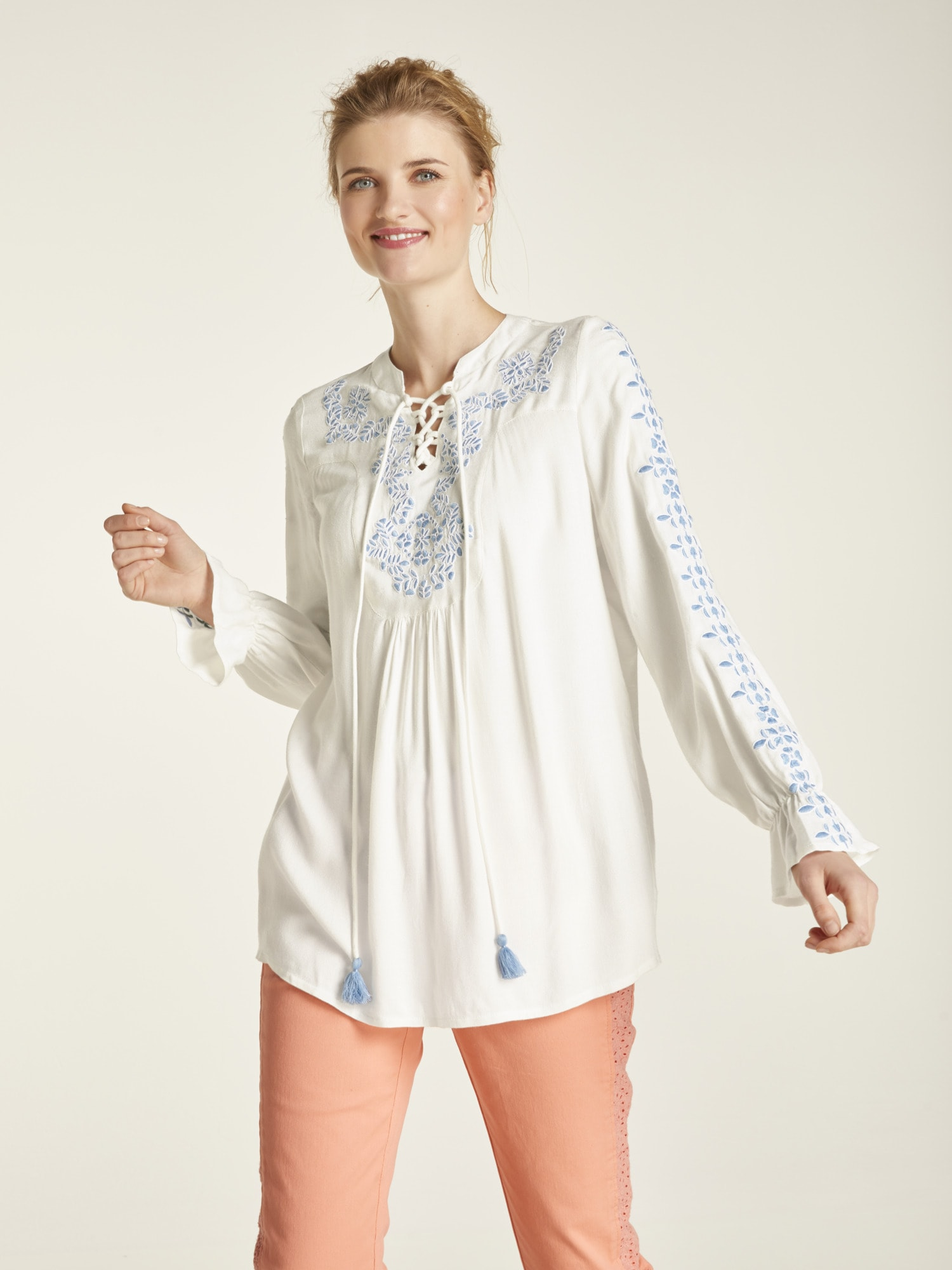 heine CASUAL Bluse mit Stickerei