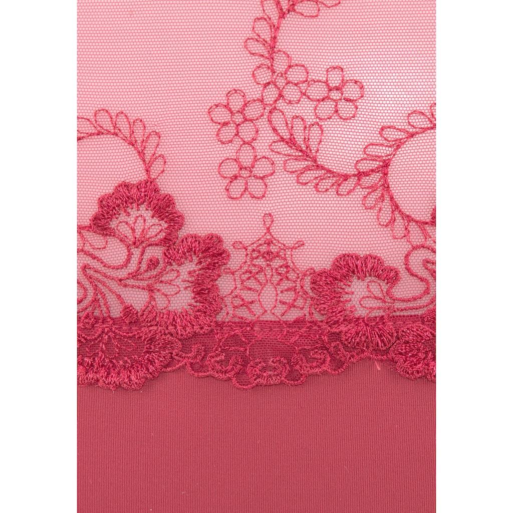 LASCANA Slip, aus weichem Netzmaterial mit zauberhafter Stickerei