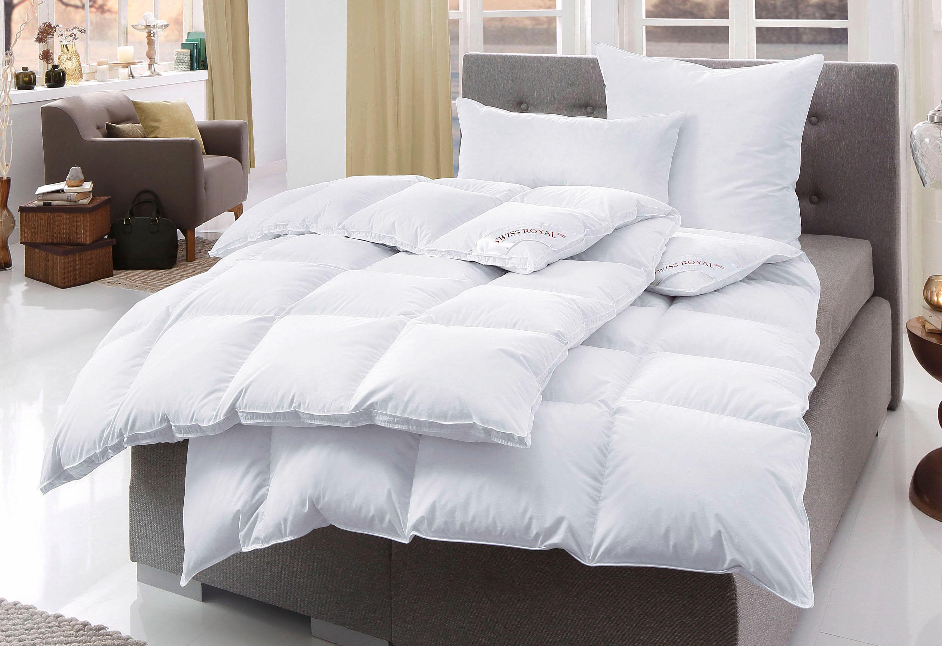 Daunenbettdecke Swiss Royal Haeussling Extrawarm Fullung 90 Daunen 10 Federn Bezug 100 Baumwolle Kaufen Baur