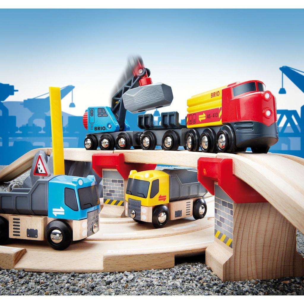 BRIO® Spielzeug-Eisenbahn »BRIO® WORLD Straßen & Schienen Steinverlade Set«, FSC®-Holz aus gewissenhaft bewirtschafteten Wäldern