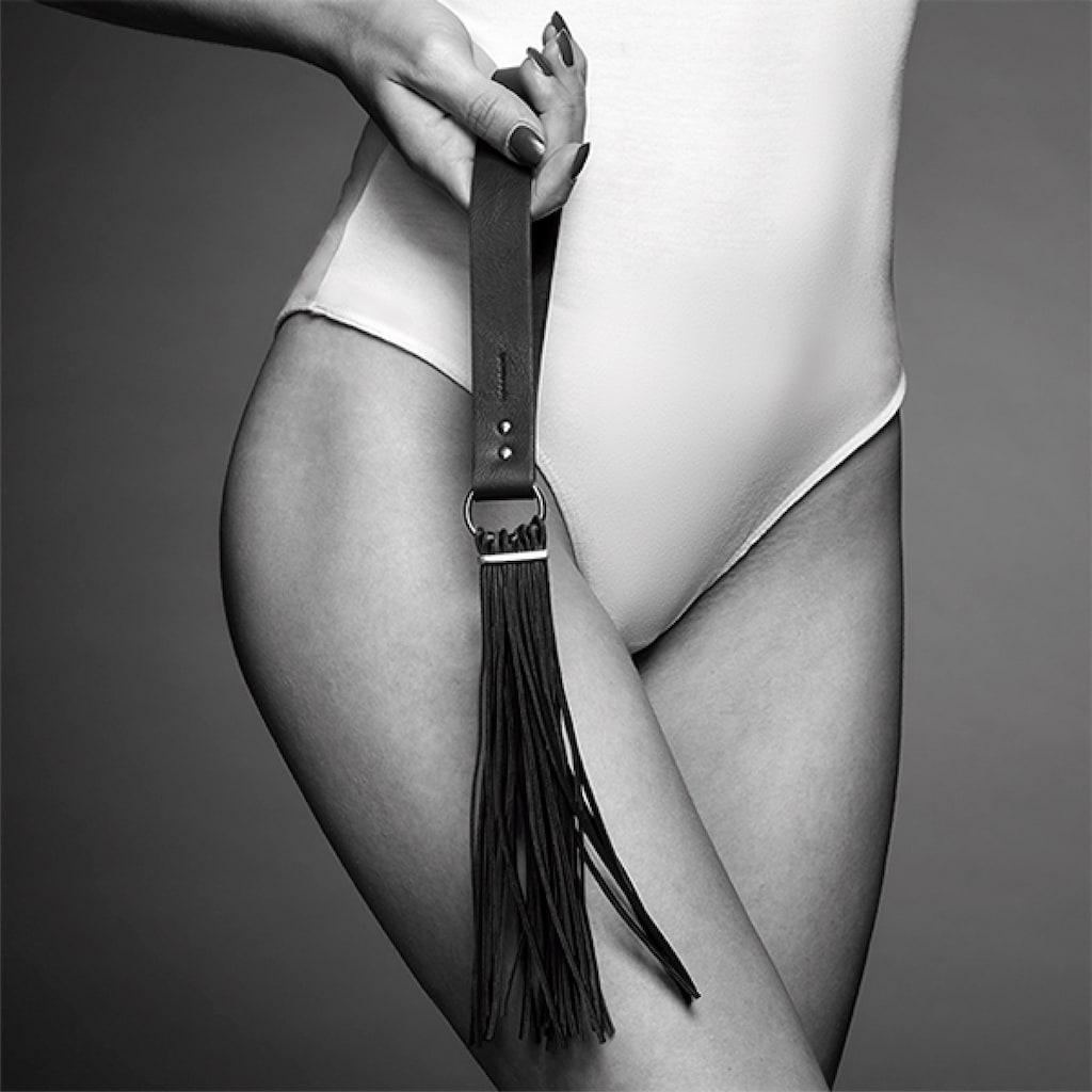 Bijoux Indiscrets Erotik-Peitsche »MAZE Tassel Flogger«, mit Handschlaufe