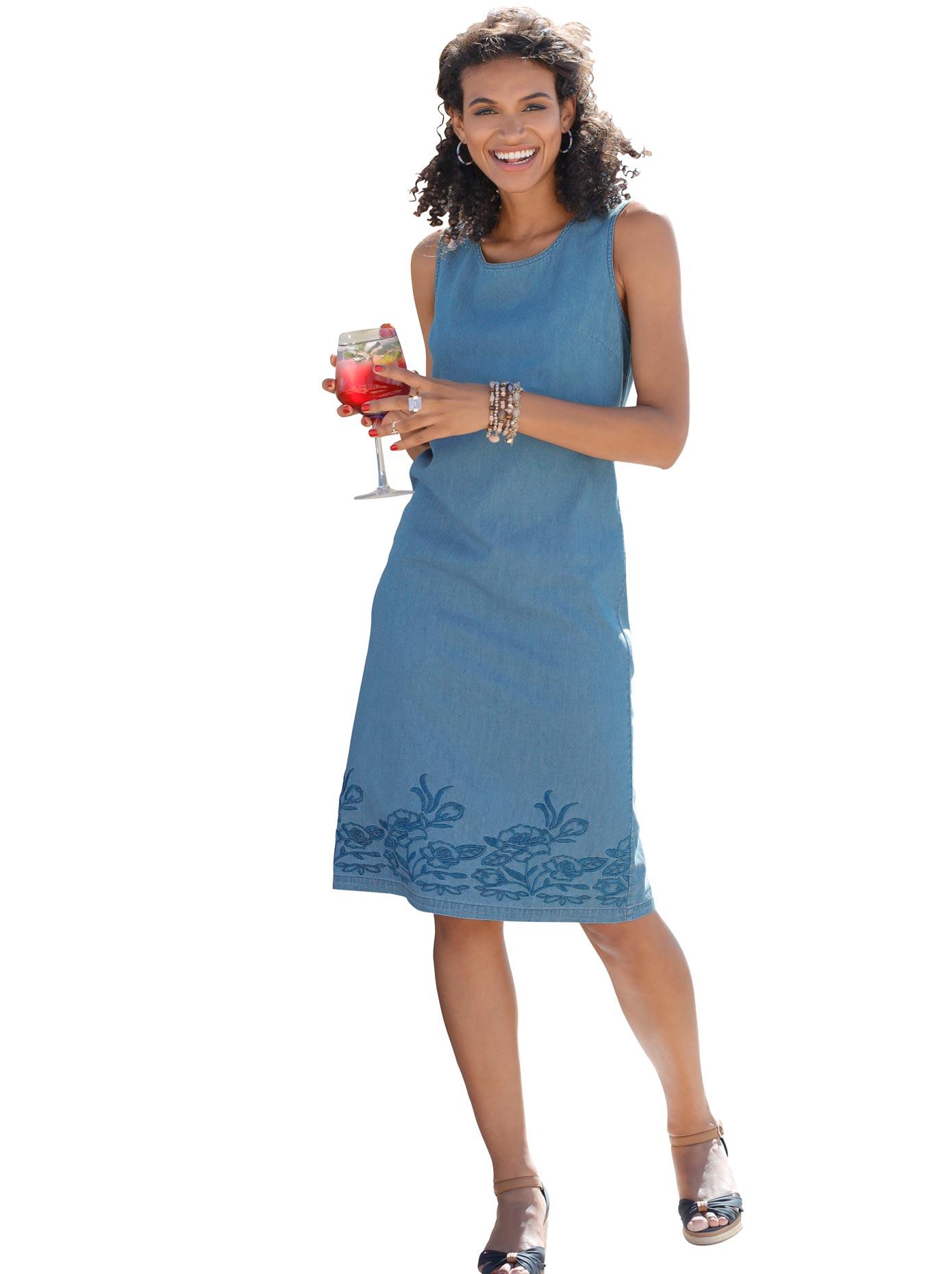 Classic Basics Kleid mit floraler Stickerei