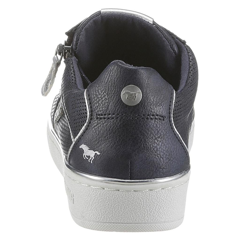 Mustang Shoes Sneaker, mit angedeutetem Lochmuster