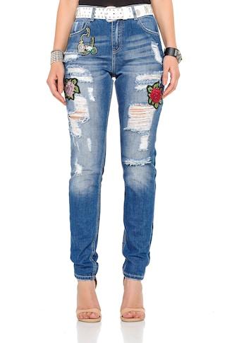 Cipo & Baxx Bequeme Jeans, mit tollen Patches und praktischem Gürtel kaufen