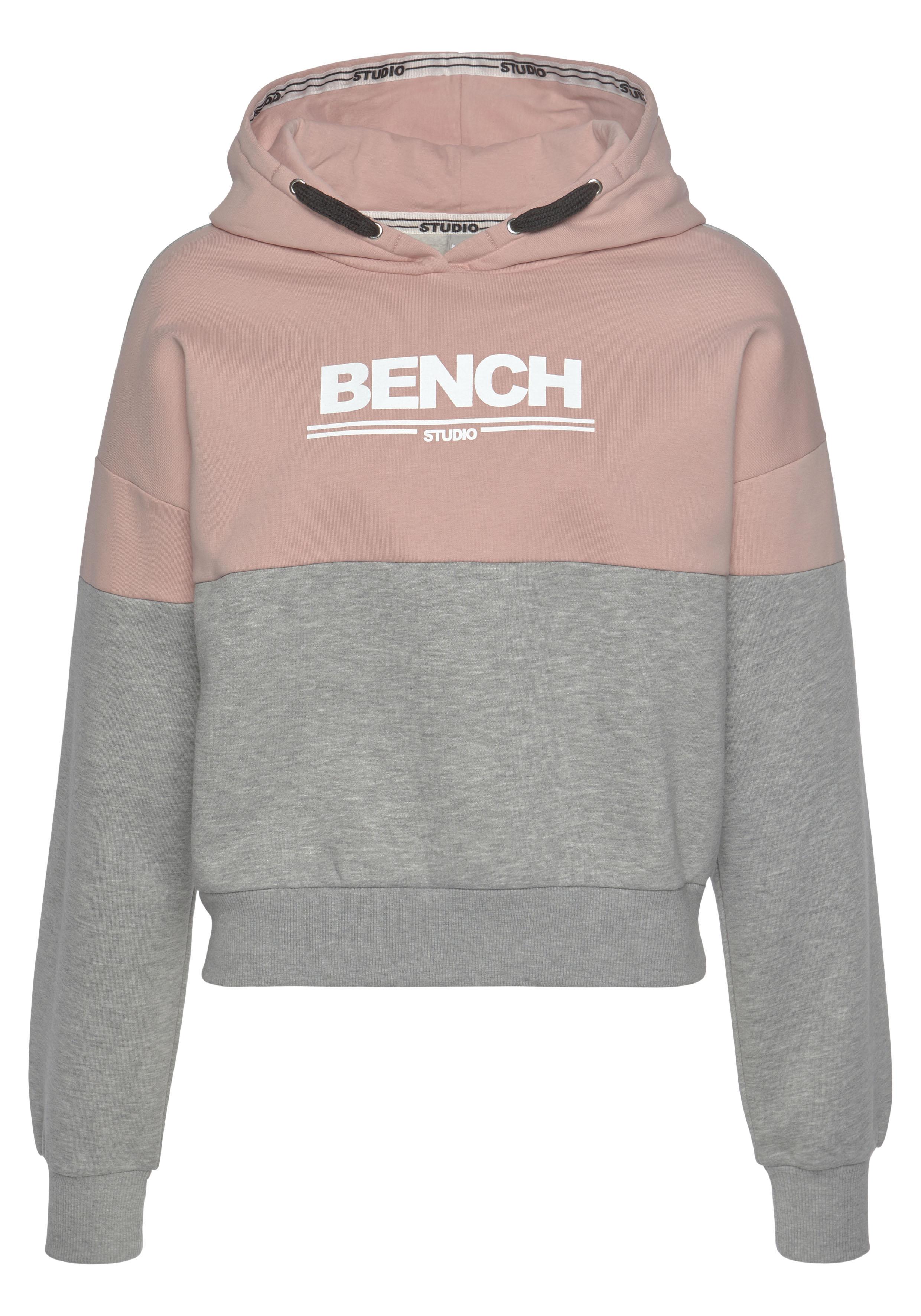 bench. -  Hoodie, mit Logodruck