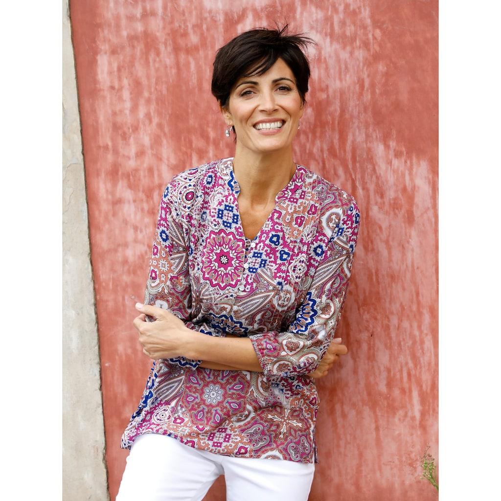 Paola Longtunika, mit grafischem Alloverdruck