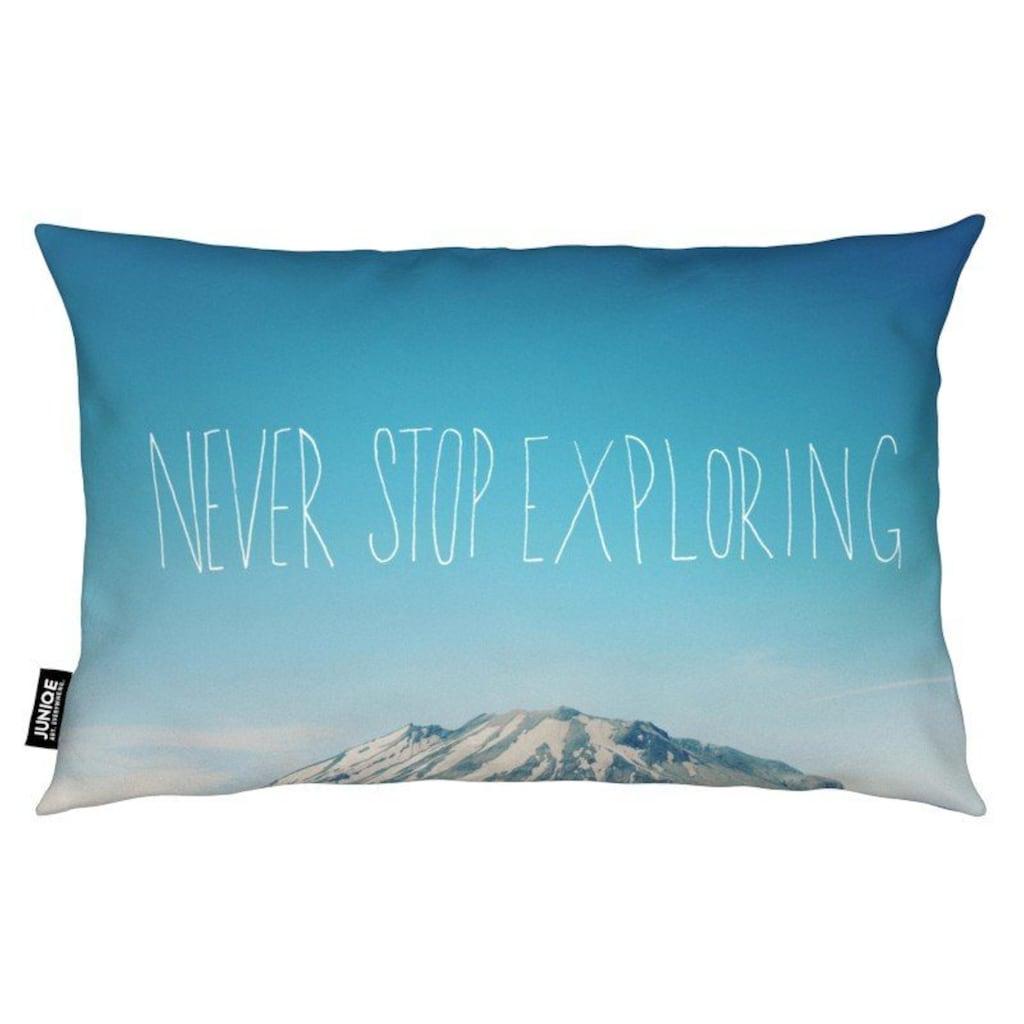 Juniqe Dekokissen »Never Stop Exploring«, Weiches, allergikerfreundliches Material