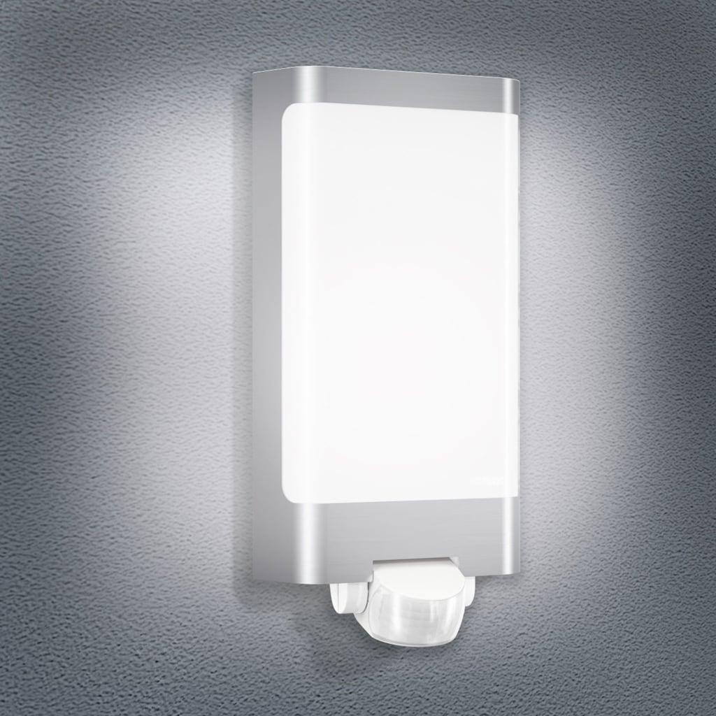 steinel Außen-Wandleuchte »L 240 LED«, LED-Board, 1 St., Warmweiß, 180° Erfassungsbereich, max. 10 m Reichweite, Zeiteinstellung von 8 Sek. - 35 Min., Schlagfestigkeit nach IK07, regenwassergeschützt, Edelstahlblende
