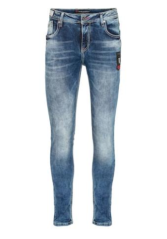 Cipo & Baxx Slim-fit-Jeans, mit modischen Kontrastnähten in Slim Fit kaufen