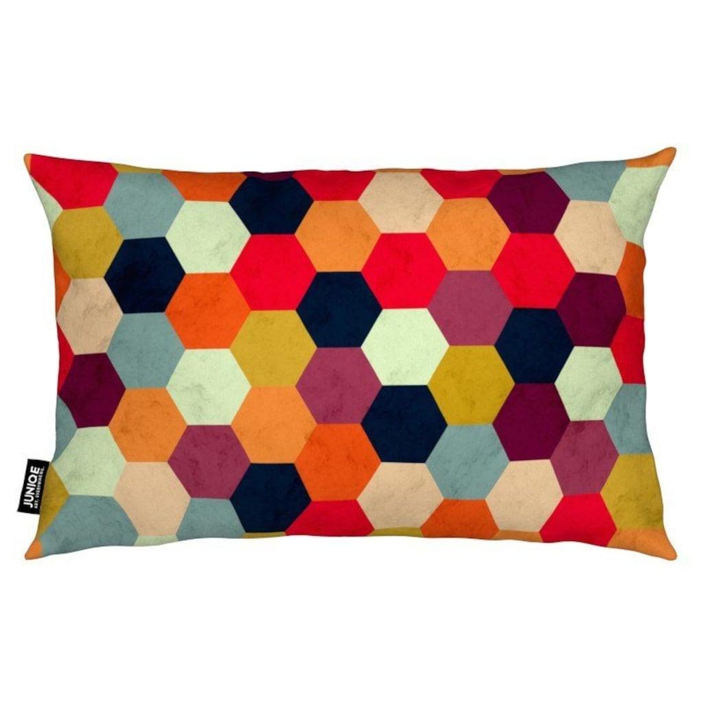 Juniqe Dekokissen »Colorful Beehive Pattern«, Weiches, allergikerfreundliches Material