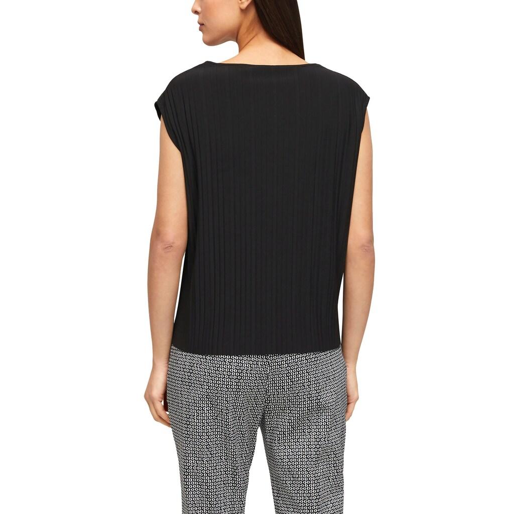 s.Oliver BLACK LABEL Kurzarmshirt, mit V-Auschnitt und Plissee