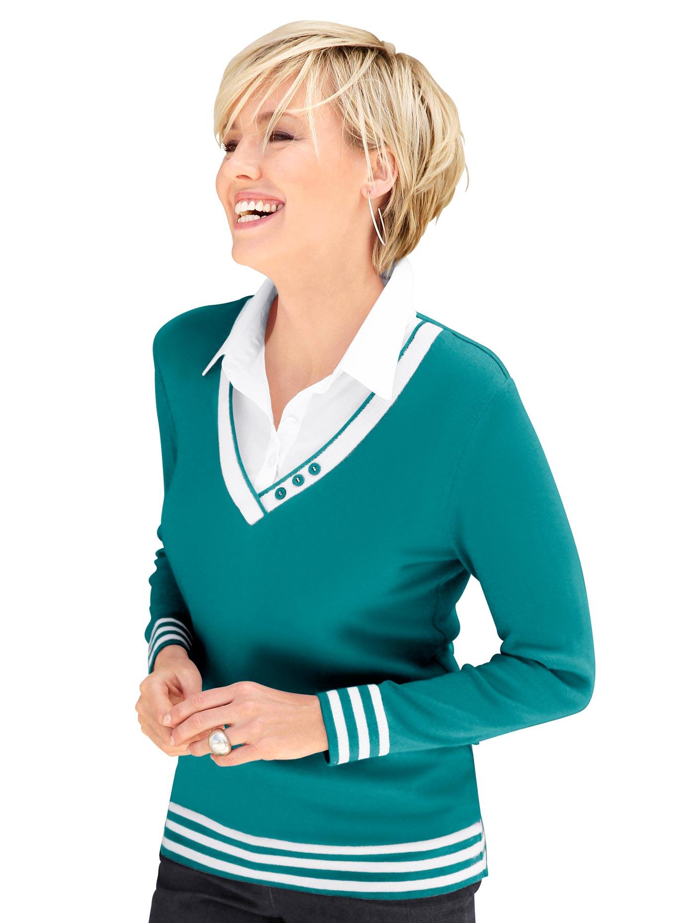 Casual Looks 2-in-1-Pullover mit Zierknöpfen am V-Ausschnitt   Bekleidung > Pullover > 2-in-1 Pullover   Blau   Casual Looks