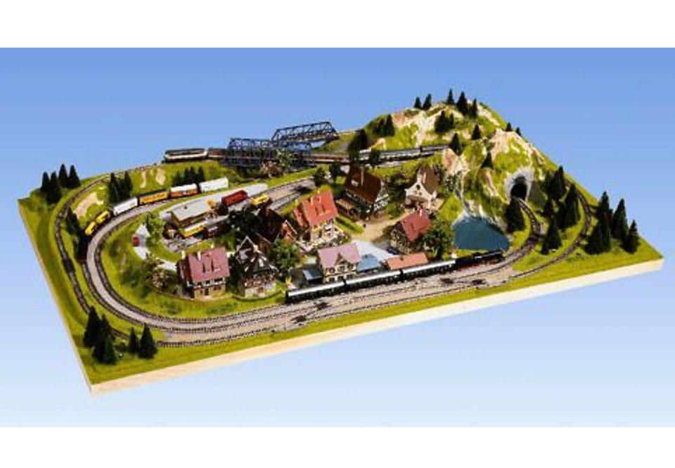NOCH Modelleisenbahn-Fertiggelände Traunstein, Spur N/Z, Made in Germany bunt Kinder Ab 12-15 Jahren Altersempfehlung Modelleisenbahn-Erweiterungen
