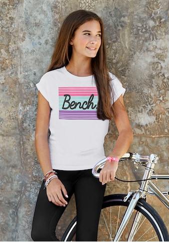 Bench. T-Shirt, mit großem Logodruck kaufen