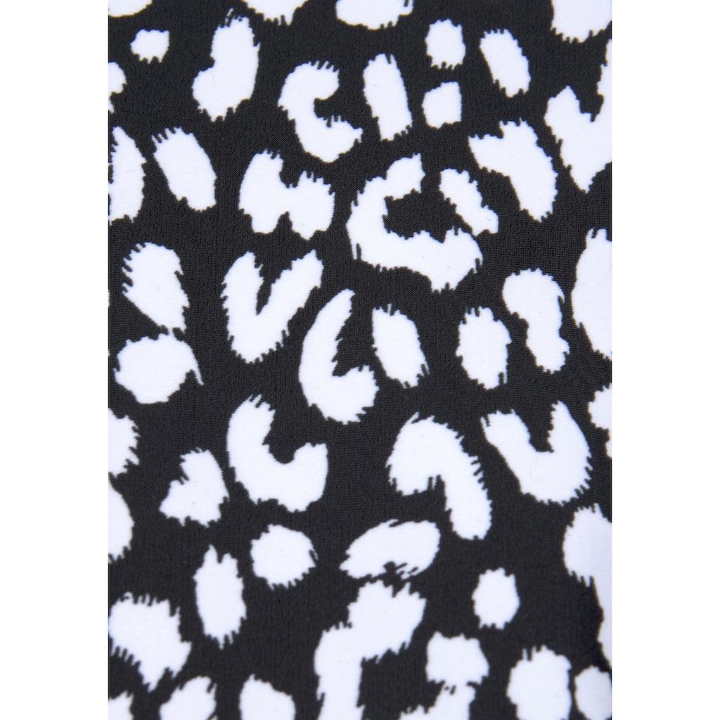 LASCANA Bade-Shirt, mit halblangen Ärmeln