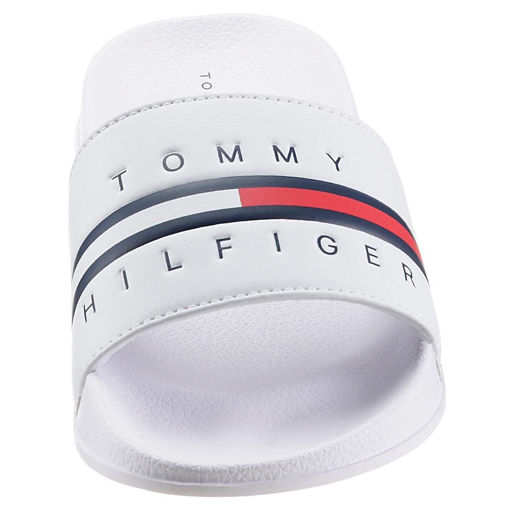 TOMMY HILFIGER Badepantolette »FLAG PRINT POOL SLIDE«, mit Logoverzierung