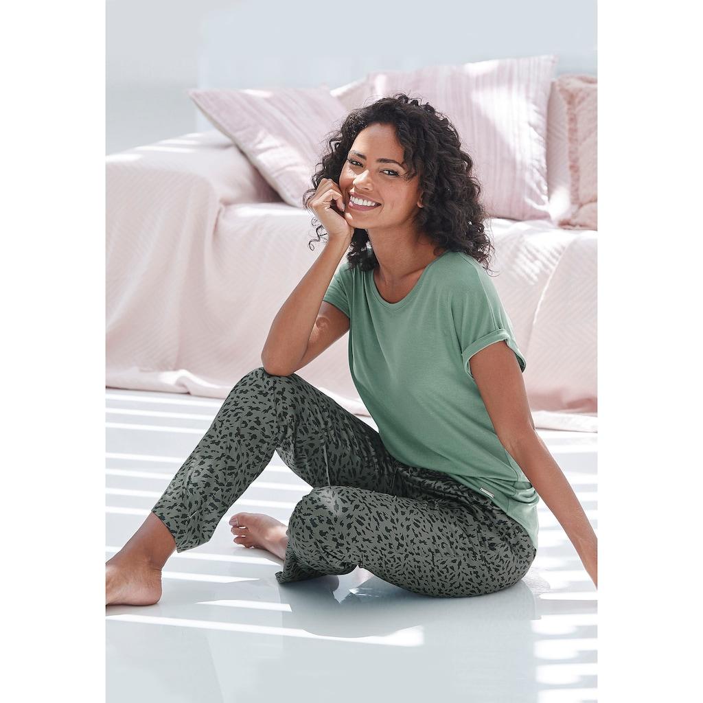 LASCANA Pyjamahose, aus Satin mit Animal-Print
